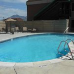 POOL & PARTY WITH GAS GRILL & FIREPLACE