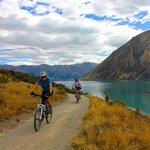 Cyclists near Lake Ohau