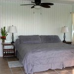 Oceanfront 2BR Suite (Master bedroom with King Bed