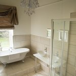 Refurbished Birdal suite bathroom