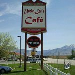 Uncle Lee's Cafe