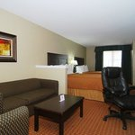 Photo de BEST WESTERN Temple Inn & Suites