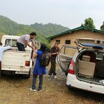 Shifting the Luggage from our Vehicle into 4X4