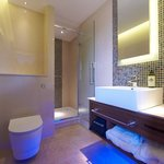 Club Room Bathroom at The Regency Hotel London