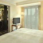 SHR Zuerich Rooms Grand Suite Lake View