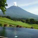 Private infinity pool overlooking the course and 10,000 ft volcano