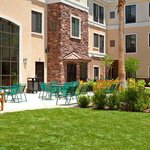 Staybridge Suites Palmdale-Guest Patio