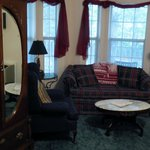 Photo de Bradford House Bed and Breakfast - Rhapsody Inn