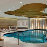 Guerlain Spa Waldorf Astoria - Pool