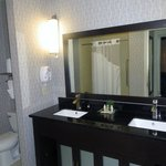 Our suites bathrooms are equipped with double lavatories.