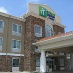 Holiday Inn Express Wichita Northwest Hotel Exterior
