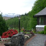 Front of Hotel with view of Ben Nevis