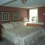 Ground king bed private bath