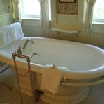 The 2-person soaking tub in room #435