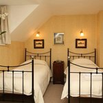 Twin bedroom - Aintree cottage