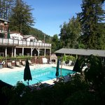 The Woods Resort at the Russian River resmi