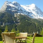 Garden with Eiger view - Sunstar Hotel Grindelwald