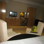 spacious room/suite
