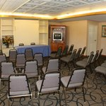 Meeting Room up to 25 to 30 ppl