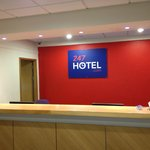 Travelodge Oldham Manchester Street
