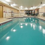 CountryInn&Suites CuyahogaFalls Pool