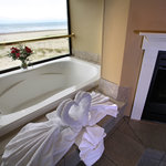 Oceanfront Jetted Tub