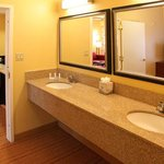 Executive King Suite Bathroom