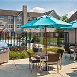 Outdoor Pool & Grill Area