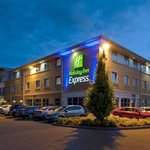 Holiday Inn Express East Midlands Airport offering free wifi