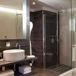 Makassar Suite Bathroom