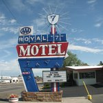 Royal 7 Budget Inn
