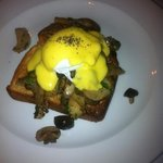 sautéed mushrooms on toasted brioche with poached egg and hollandaise sauce ... yum yum!!!!