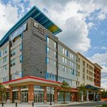 aloft Richmond West resmi