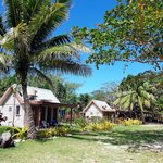 Oarsman's Bay Lodge - Deluxe Beachfront Bures