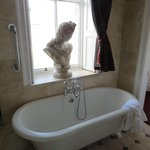 Murray Suite free standing bath