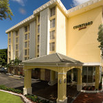 Courtyard Marriott Coral Gables Entrance