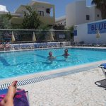 Foto de Daphne Apartments at the Blue Pool