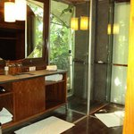 Bure bathroom. The glass door opens to the outside.