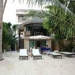 The Boracay Beach Houses resmi