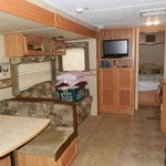 Colonial Woods Campground resmi