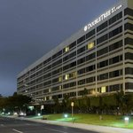 Photo de DoubleTree by Hilton Hotel LAX - El Segundo