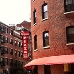 Regina Pizzaria, Thatcher Street, Boston