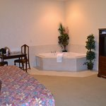 King Bed Suite with jacuzzi tub