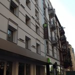 Photo de ibis Styles Frankfurt City hotel