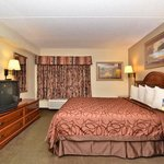 Foto de Raleigh Inn & Suites
