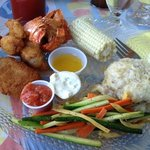 seafood combo, fried lobster and crab cake