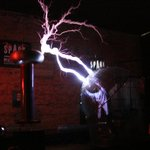 Mad-scientist gets 4 million volts from the MegaZapper