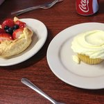 fruit tart and lemon cupcake