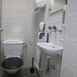"Bellinzona Youth Hostel ""Villa Montebello"": Shared Toilet"