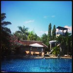 The very large and peaceful pool. This is a great spot to enjoy satu bir Bintang besar and soak